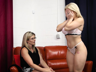 Mommy loves teen pussy